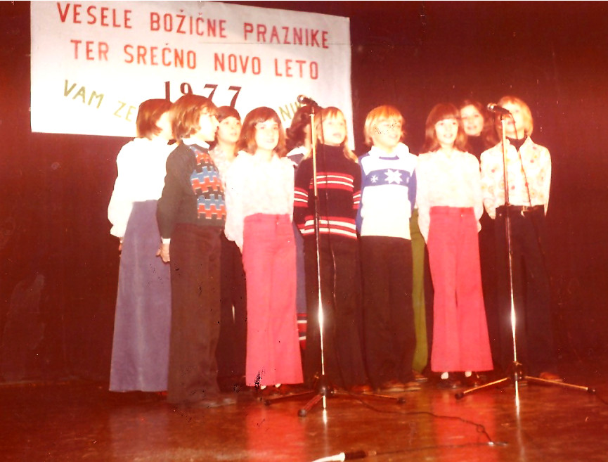 Otroci Planike pojejo 1977 1237