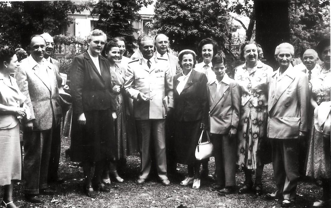 Progresivned Slovenke pri Titu 1952 Zagreb1536