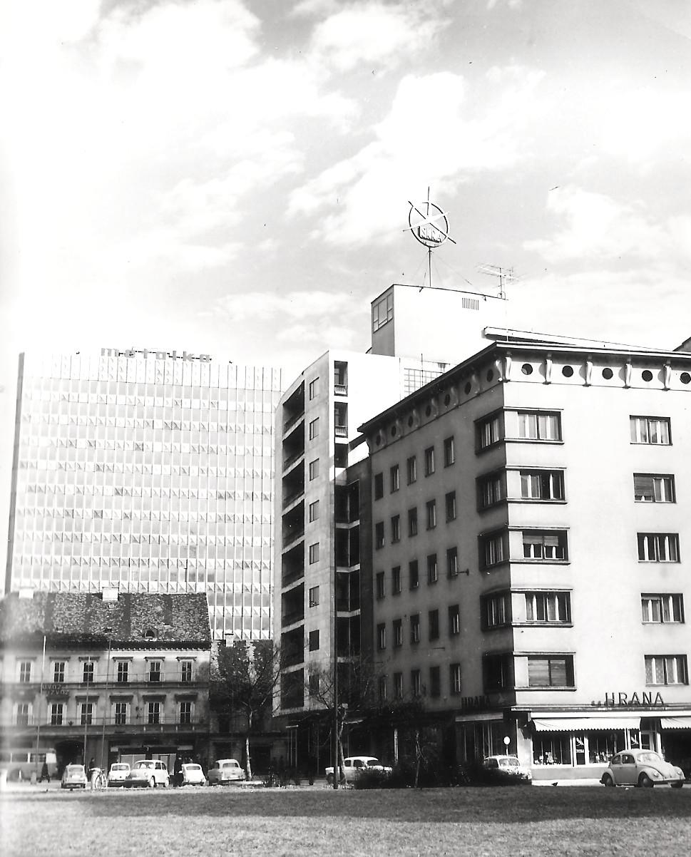 Tri stavbe na Ajdovščini v LJ1712