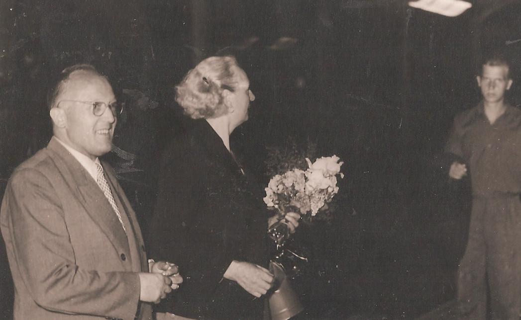 Tomo Brejc in izseljenka Senčarjeva na LJ kolodvoru1973