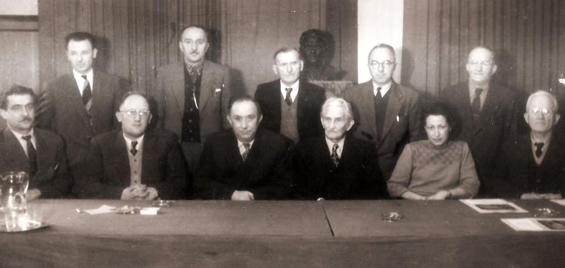 Ustanovni člani SIM1104
