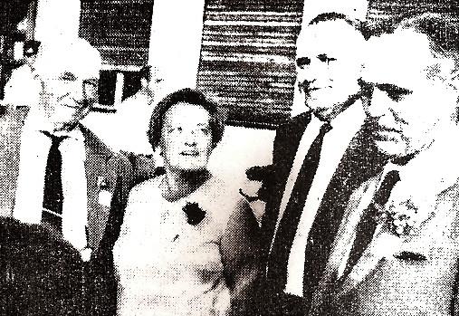 Ciril jekše, Lojzka in Emil Semolič in pevovodja Viktor Saksida2537